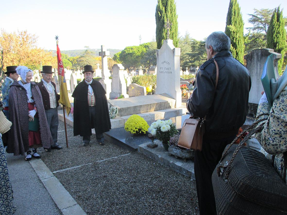 Commémoration aux anciens fondateurs