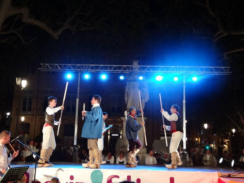 Festival-2013-Danse des Bâtons-Provence