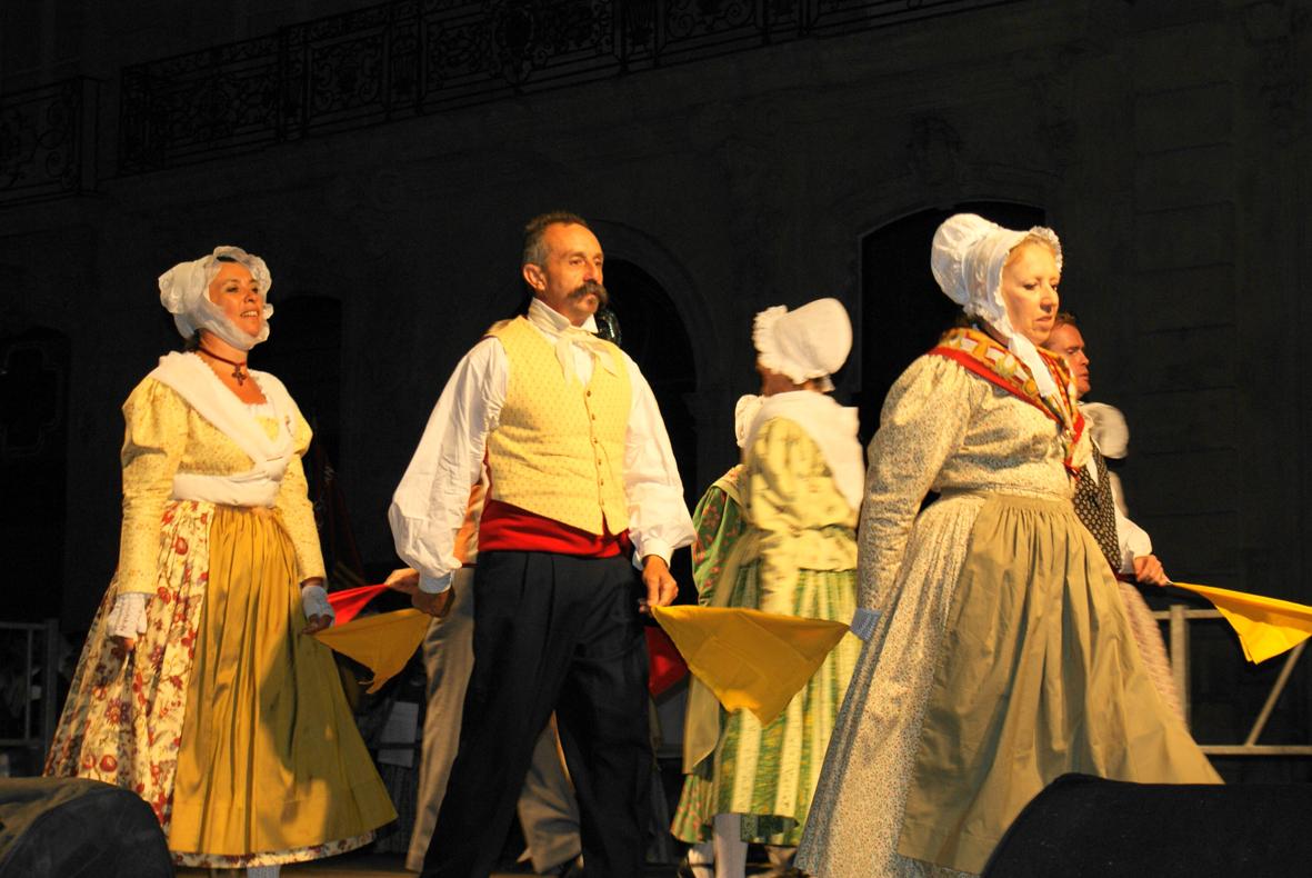 Festival-2009-Danse des Foulards