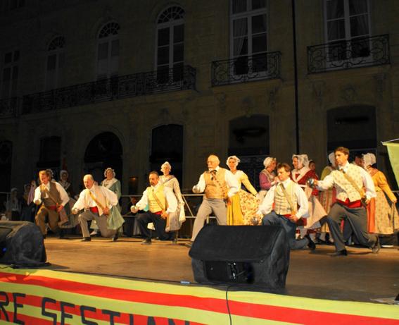 Festival-2009-Farandoulaire Salut